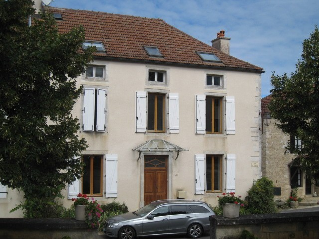 Is sur tille saulx le duc vente maison 8 pi ces 180m2 for Maison is sur tille